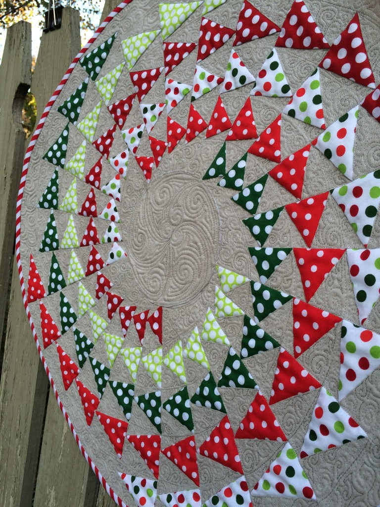Holiday Icosakaipentagonal Table Topper